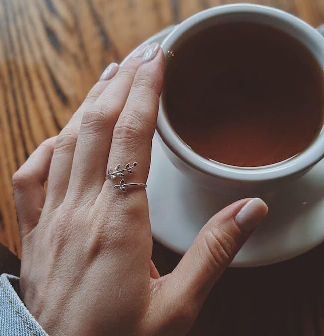 Få dig en ring, der kan fuldføre dit look!